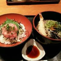 ねぎとろ丼と天ぷらそば
