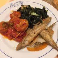 ランチの前菜3種(チキンボール、ワカサギマリネ、白身魚わかめサラダ)