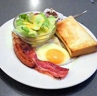 フライドエッグ&トースト