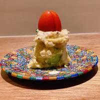 ポテトサラダ燻製仕立て比内地鶏のから揚げ出汁巻玉子野菜の炊き合わせごまのアイス