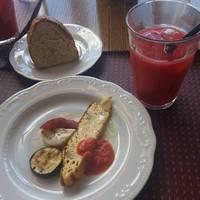 前菜とパン ドリンク