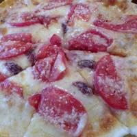 トマト・アンチョビピザ