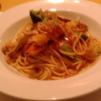 紅ズワイガニとブロッコリーのスパゲッティトマトソース